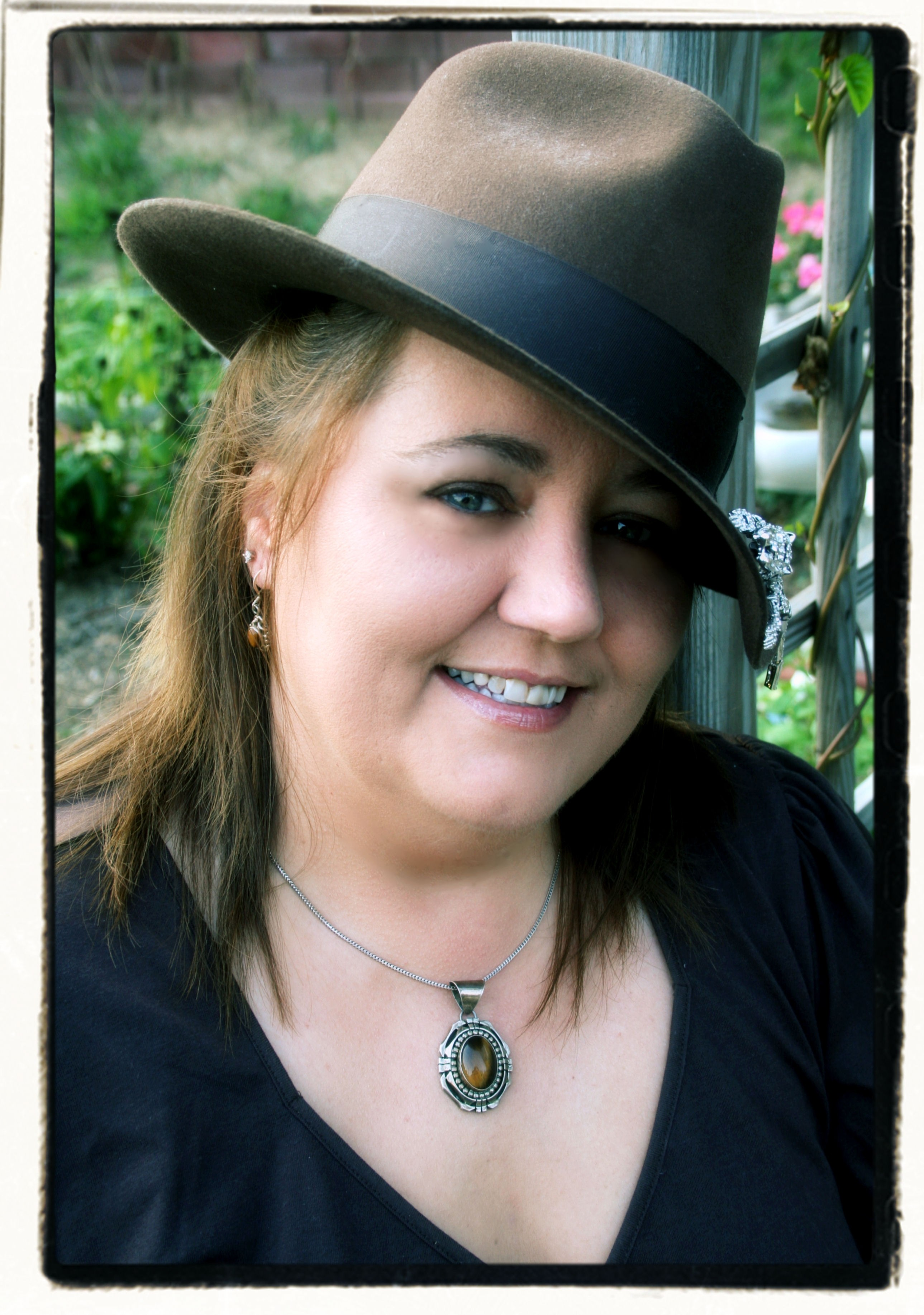 lora leigh http hermosalectura blogspot com 2011 12 lora leigh 08 htmlLora Leigh Author