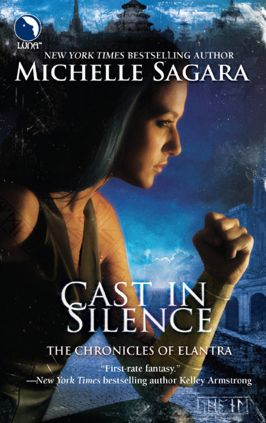 REVIEW: Cast in Silence by Michelle Sagara