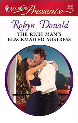 REVIEW:  The Rich Man's Blackmailed Mistress by Robyn Donald