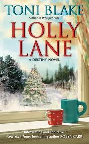 REVIEW: Holly Lane by Toni Blake