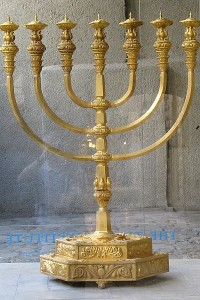 Wednesday News: Sony employees sue over hack, extreme copyright appeal, rise of the power couple, and kitschy menorahs